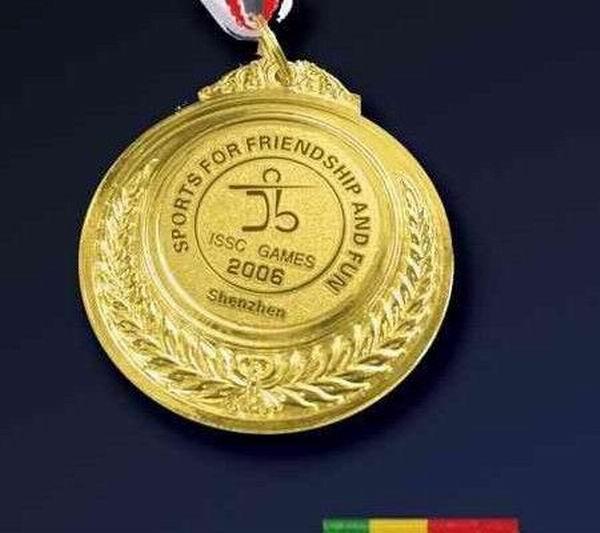 金属奖杯定做 成都运动会比赛纪念奖杯奖牌 必威betway电竞金属奖杯奖牌