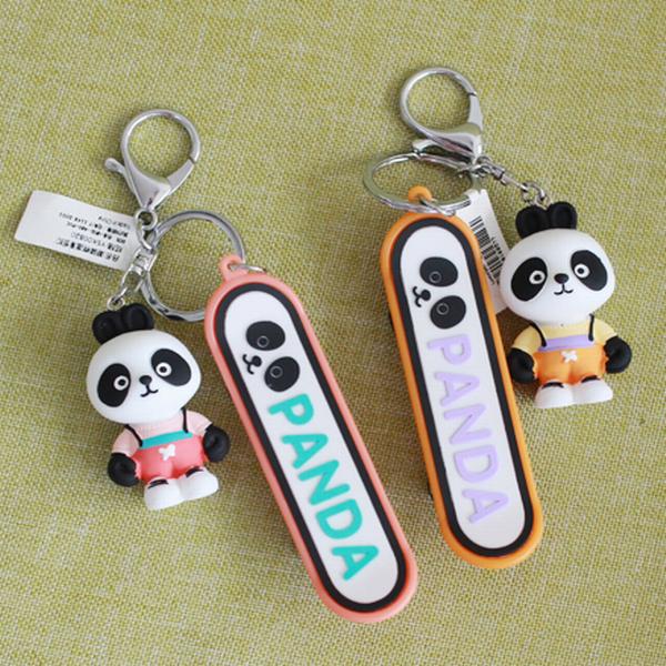 成都定做熊猫钥匙扣滑板车 熊猫公仔钥匙扣必威betway电竞 成都旅游纪念品
